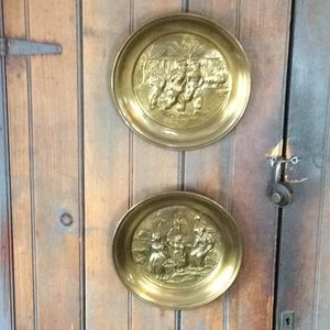 ANTIQUE WALL PLATES ♥️